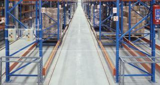 very-narrow-aisle-racking